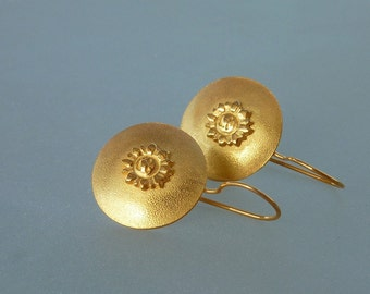 Gold discs dangle earrings, Gold matte earrings, smiling sun earrings, round gold dangle earrings, gold jewelry