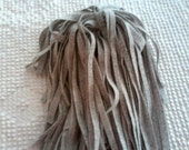 100 Mill Dyed Wool Rug Hooking Strips Light Pearl Gray