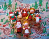 happy wooden christmas cuties