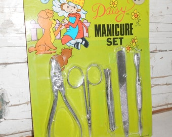 Vintage Daisy Toy Manicure Set, Vintage Pretend Play, Vintage Dime Store Toy