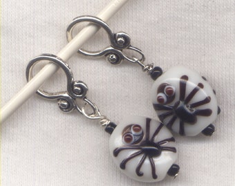 Spooky Spider Knitting Stitch Markers Halloween Fun Arachnids Lampwork Set of 2/ SM254A