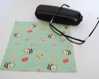 Microfiber Eyeglass Cloth / Microfiber Cleaning Cloth - Happy Bees and Flowers