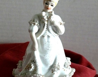 George Z. Lefton Lady Figurine - Gold Trim - Spaghetti details - Vintage - Collectible - K8570W