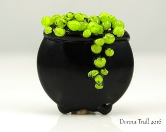Made to Order, Witch's Cauldron, Lampwork Bead Focal, Glass Bead, Halloween Bead, Black and Green, Donna Trull, SRA