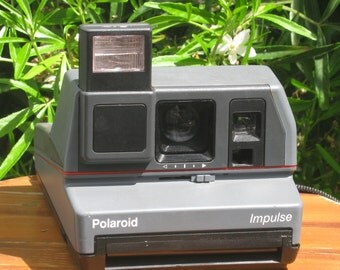 Vintage Polaroid Impulse Instant Film Camera for Impossible Project 600 Film
