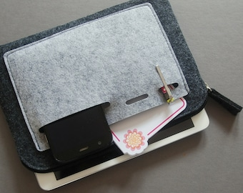 Felt zipper bag, tech organizer.