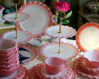 hazel atlas pink ruffle cake stand