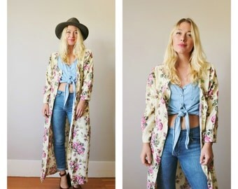 1980s Button Front Floral Dress or Robe >>> Size Medium to Large