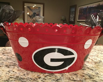 Personalized tailgate tub