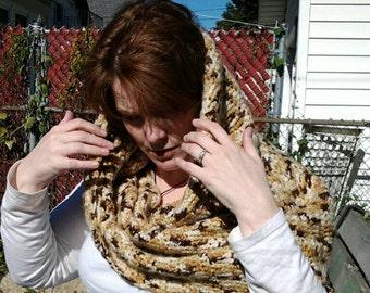 Brown shades mobius (wrap)