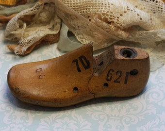 Vintage Wooden SHOE FORM- Child's Shoe Mold- Empire Branch Rochester NY- 1942