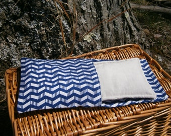 Organic Aromatherapy Eye Pillow Flax Lavender Mint Yoga Savasana Removable Cover Blue Chevron Relaxation Soothing Natural Microwave Compress