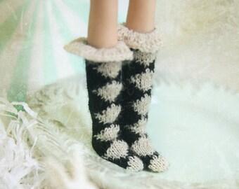 jiajiadoll- sailor suit Hand Knit-white and black prismatic checked layered socks fits momoko- blythe -Misaki- Unoa light- Lati yellow