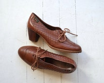 Bass leather oxford heels | 1970s heeled oxfords | woven leather oxfords 10