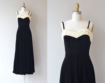 De Llano dress | vintage 1930s dress | rabbit fur trimmed 30s velvet dress