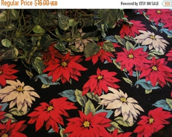 ON SALE Christmas Table Runner Poinsettia Red Padded