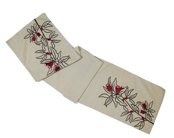 Red Berry Table Runner, Embroidered Linen Table Runner, Light Brown Linen Dark Brown Red Berry, HolidayTable Linen, Long Table Runner