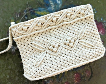 Vintage Handbag ,macrame / crochet clutch, late 1970s bohemian purse, Like New Never used, natural muslin cream cotton wristlet