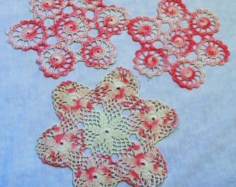 Vintage Crochet Doily, White and Pink Doily, Vintage Doily, Set of Doilies, Small doilies