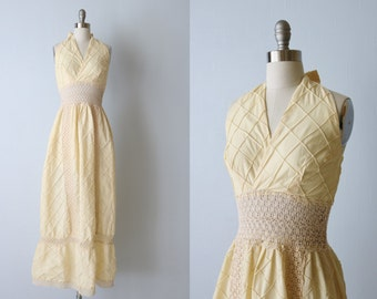 Vintage 1970s Boho Halter Peasant Festival Prairie Dress / Crochet 1970s Dress / Cream Crochet Cotton Dress