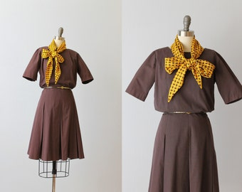 Vintage 1960s Brown Short Sleeve Scooter Dress / 60s Mod Dress / Box Pleated Skirt / Buttons up the Back