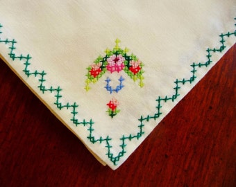 """Vintage Luncheon Tea Napkins Cross Stitch Floral Design, Set 6 Cream, 10"""" Excellent Condition"""