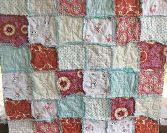 Quilt, Rag Quilt, YOU CHOOSE SIZE, Felicity fabrics, red pink and white, comfy cozy handmade bedding, king queen full twin options