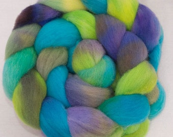 Hand dyed spinning wool, British Southdown wool top, hand painted roving, sock  fibre, spinning fiber, 120g, Colour; Swanbourne Lake