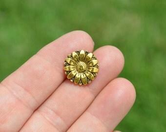 10 Gold Tone Flower Buttons  BN111