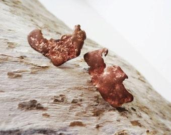 Rough copper earrings. Natural copper earrings. Michigan copper jewelry. Copper stud earrings. Copper post earrings. Rugged earrings.