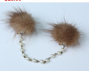 CIJ Sale Mink Sweater Clip Guard Faux Pearl Chain Vintage 1950s Fashion
