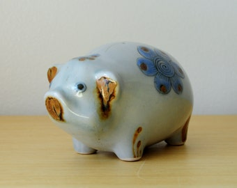 ken edwards pig figurine