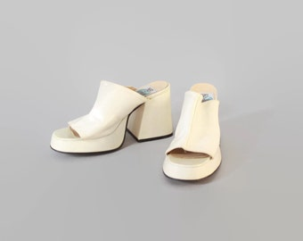 90s FLUEVOG CLOGS / Vintage 1990s Ivory Patent Leather PLATFORMS 8