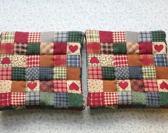 red country hearts with blue backs hand quilted set of 2 potholders hot pads