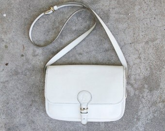 White pebbled leather François Marot purse