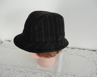 80s  DK Grey Men Hat Wool Blend Plaid City Hat7.25 Large 22.5 inches