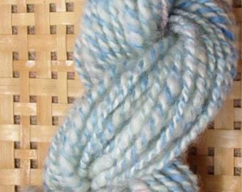 Hand Spun Romney Wool Yarn 46 yards 6-8 wpi Blue Ivory