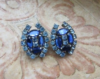 Beautiful Vintage BLUE RHINESTONE Clip Earrings 1950'S