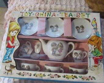 Fun Vintage 1960s Child TEA SET Mint in Original Box 11pcs