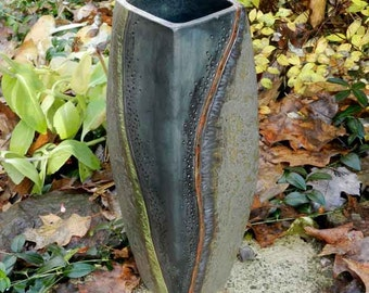 Elongated squared grassy river landscape vase