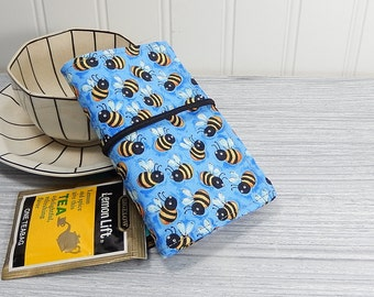 Tea wallet - Travel tea bag case - bee tea wallet - wallet for teabags - 4 pockets - bumble bees