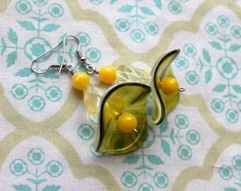 yellow vintage beads handmade earrings,yellow earrings,earrings with a vintage flair,60's look earrings,