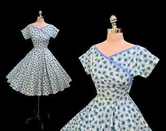 Vintage 1950s Blue Rosebuds Cotton Faux Wrap Full Circle Skirt Party Dress S/M