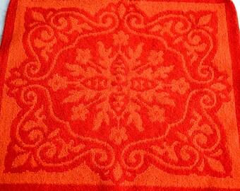Vintage Fieldcrest Bath Towels - Mid Century Damask in Red and Orange