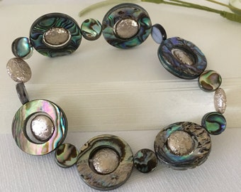Stretch Bracelet-Abalone Shell-Natural Shell-Bed Frame Beaded Stretch-Wrist Size 7-Easy Slip Over the Wrist-Summer Jewelry-Paua Shell