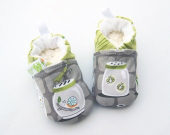 Classic Bugs in Jars Gray / All Fabric Soft Sole Baby Shoes / Made to Order / Babies