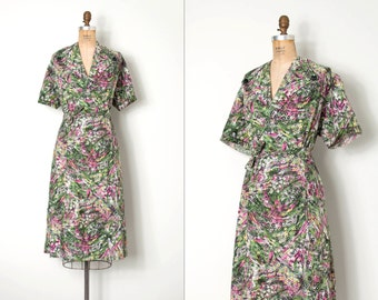 vintage 1950s dress /  50s floral print wrap dress / Flower Fields