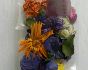 Dry Flower Confetti, Petal, Wedding Confetti, Tossing Flowers, Flower Petals, Confetti, Craft Supplies, 1 Clear flower-filled Favor Bags