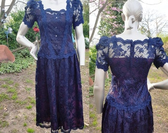 Sale 30% OFF Midnight Blue Lace Dress by Cachet/ 80s Cocktail Dress/ 80s Dress/ Vintage Dress/ Mother of the Bride Size 6