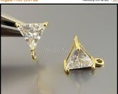 15% SALE 2 triangle shape clear crystal CZ stone in gold setting stud earrings, perfect for weddings, parties, proms 5138G-Cl
